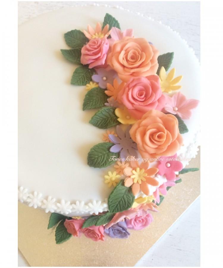 Bryllupskake Tones kaker og andre søte saker